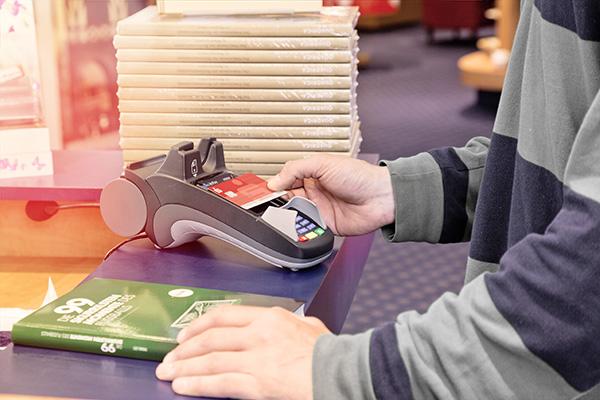 Kontaktlos zahlen - bequem und sicher